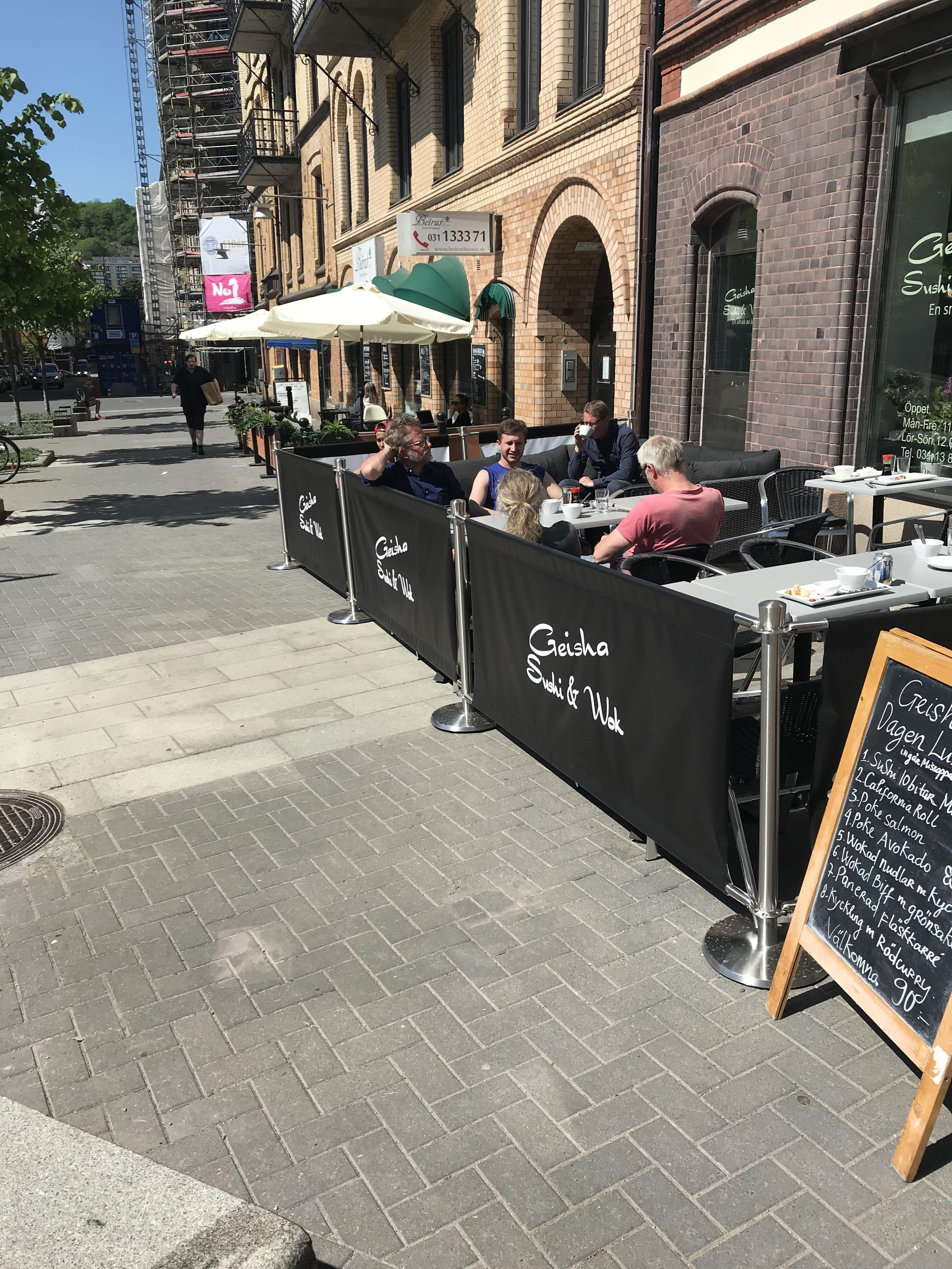 Café afzetting met bedrukking voor terras